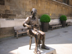 Cordwainer statue copy